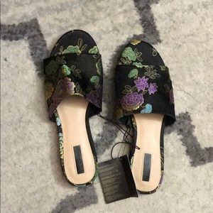 Floral sandals NWT